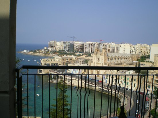 Le Meridien St. Julians: View from Le Meridean