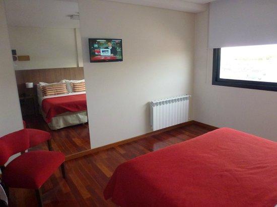 Nandó Apart Hotel: Tv en Habitacion