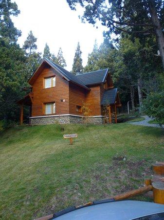 Bosque Dormido Cabañas & Spa : Vista de Frente de Cabaña