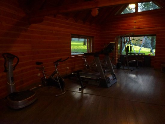 Bosque Dormido Cabanas & Spa: Gimnasio en Area Spa