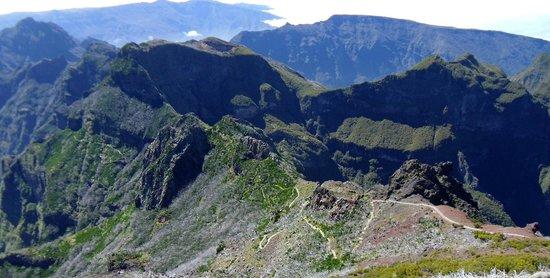 Pico Ruivo: Notice the clouds below.