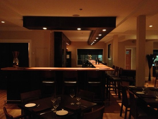 Lot 30 Restaurant : A view of the bar