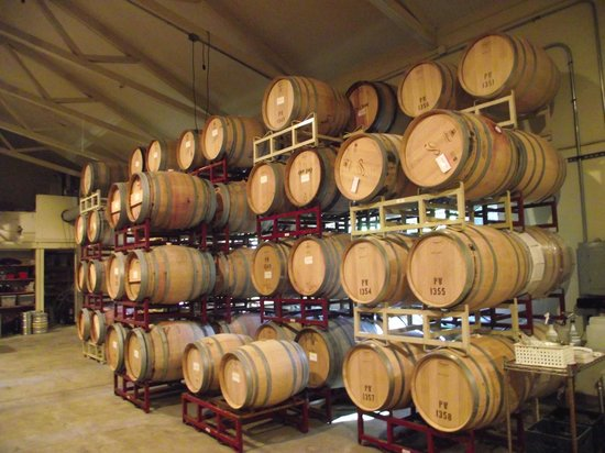 Passalacqua Winery : Oak barrels