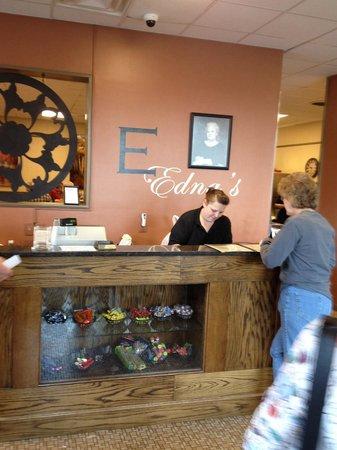 Edna's Restaurant: Desk