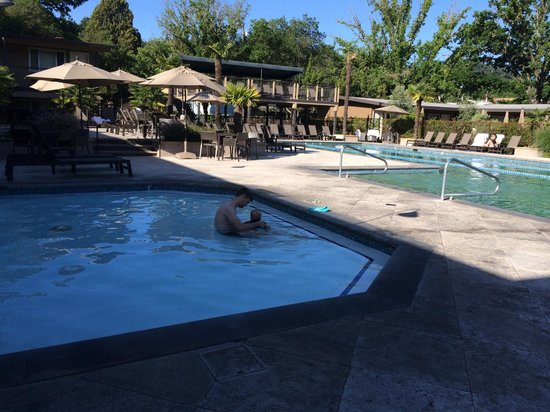 Calistoga Spa Hot Springs : Large baby pool! Very warm.