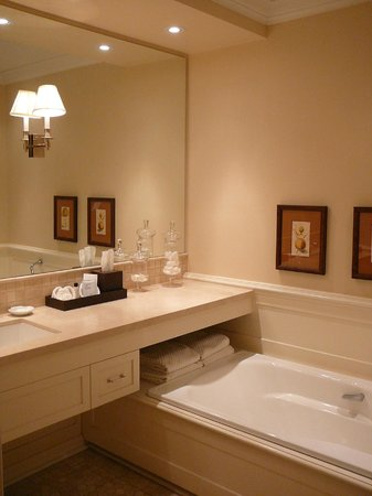 Langdon Hall Country House Hotel & Spa : Cloister Room