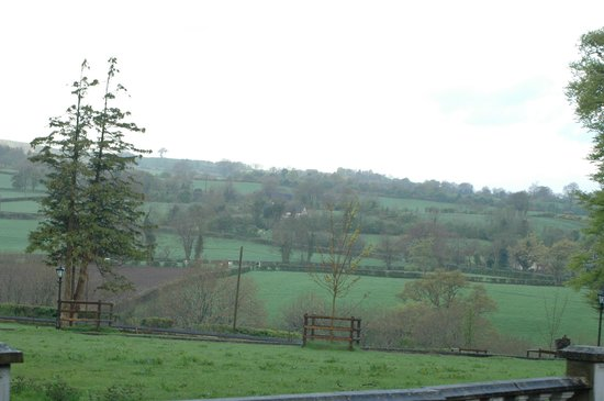 Dundrum House : view from the parking at Self Cattering Cottage. Lovely views all around!
