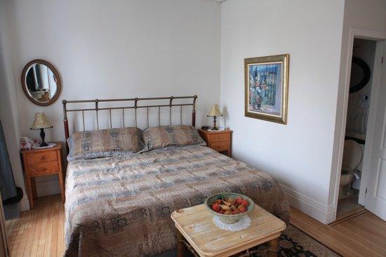Manoir Sur-le-Cap: Pleasant King size bed for comfort