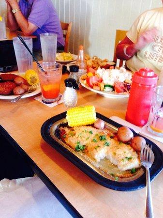 Dewey Destin Harborside: Food May 2014