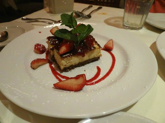 Becco : Italian cheesecake with strawberries & strawberry sauce