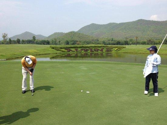 Alpine Golf Resort - Chiangmai: ゴルフ場