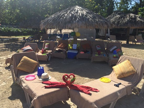 Beaches Negril Resort & Spa : Butler beach set up