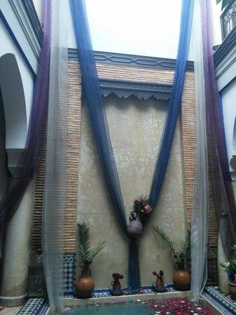 Riad Tamarrakecht : decorations at riad