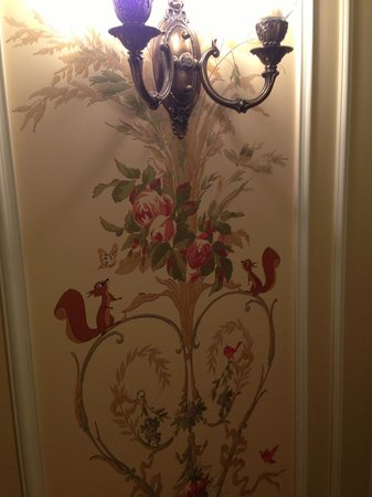 Tokyo Disneyland Hotel: Small & beautiful details like this are throughout