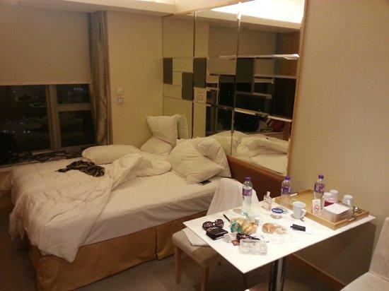 Dorsett Mongkok Hong Kong: room1