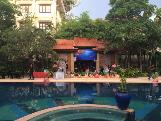 Prince D'Angkor Hotel & Spa : Swimming pool