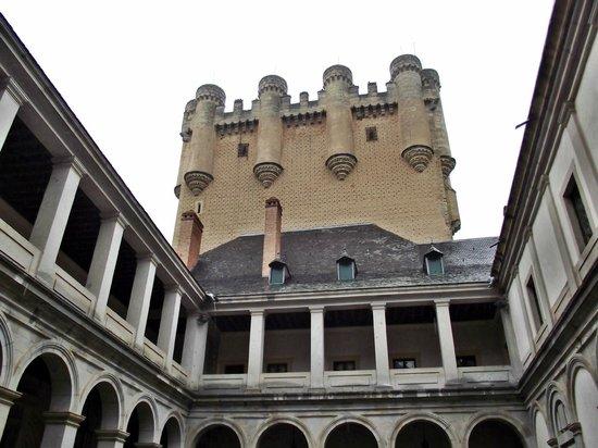 Alcazar de Segovia: Vista do pátio interno