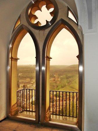 Alcazar de Segovia: Janelas internas, com vistas para regiões próximas.