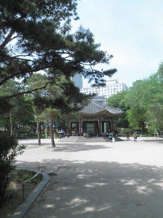 Tapgol Park: 休憩所