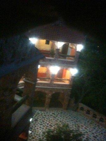Hotel El Encanto: Vista del hotel, desde la torrecita.