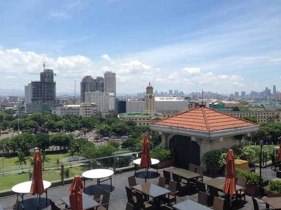 Sky Deck on Bayleaf Hotel : Panoramic view in the day time