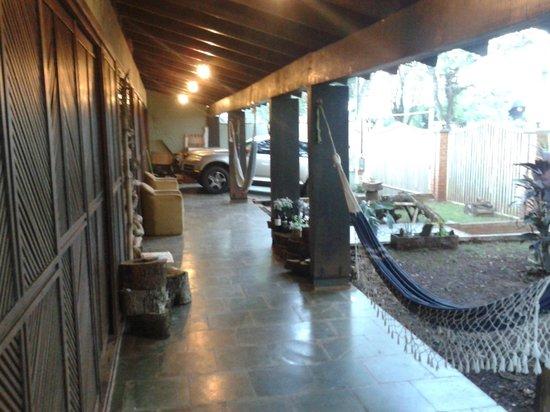 Hostel Bambu : Área de frente.