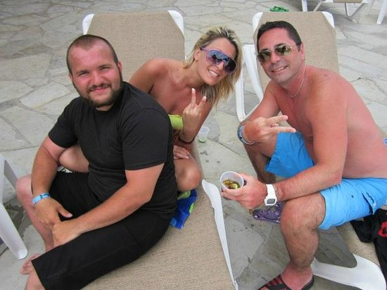 The Tropical at Lifestyle Holidays Vacation Resort : Hanging at the pool