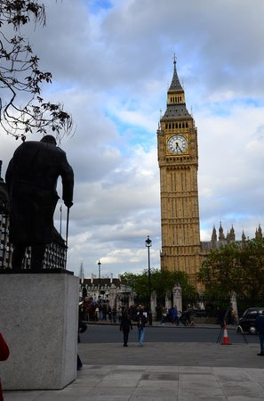 Hairy Goat Photography Tours : Churchill & Big Ben