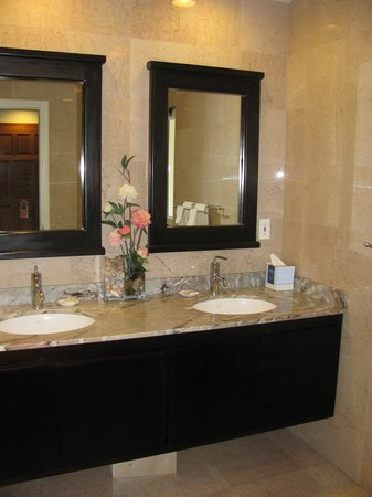 Princess Heights Hotel: Our bathroom