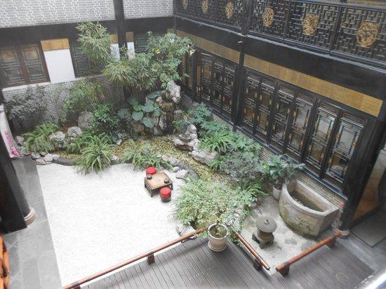 BuddhaZen Hotel: 中庭
