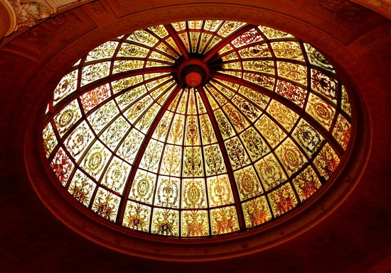 Threadneedles, Autograph Collection: Gorgeous stain glass lobby dome