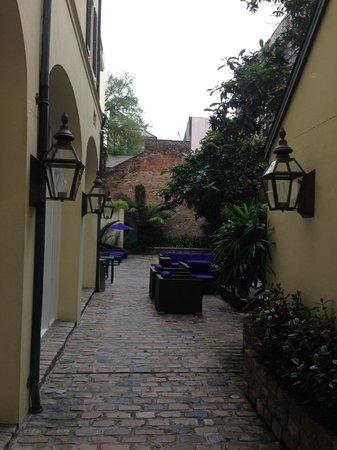 Hotel Le Marais: patio