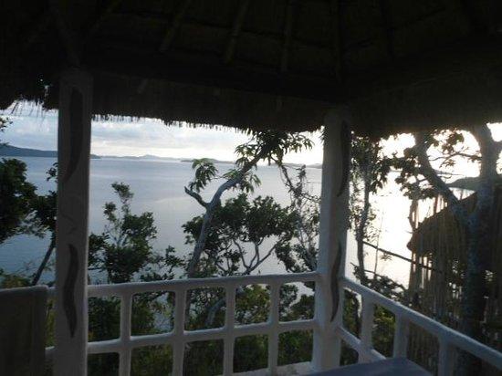 AL FARO Cosmio Hotel Palawan: veranda