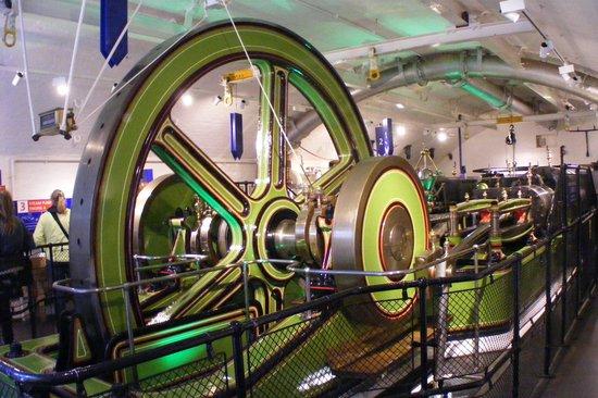 Puente Tower Bridge: In the engine room