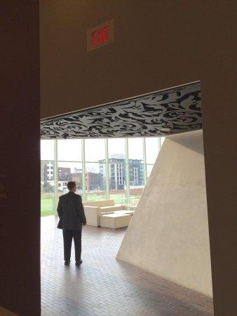 Walker Art Center : Lines