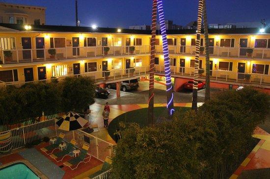 Hotel Del Sol, a Joie de Vivre hotel: Outside