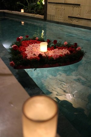 Ahimsa Beach Resort: Romantic Candle lite dinner