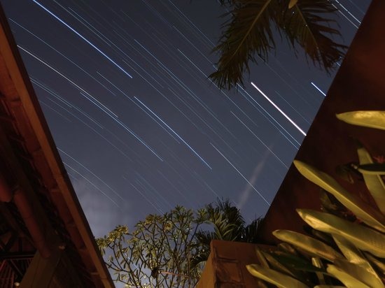 Ahimsa Beach Resort: Star trails taken from the villa