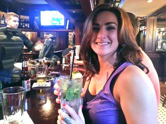 Joe's American Bar & Grill: 100 Calorie Pineapple Mojito