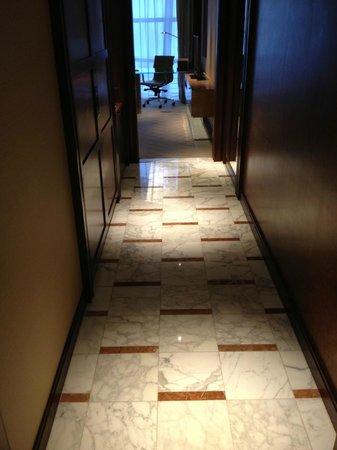 Grand Hyatt Shanghai: Hallway