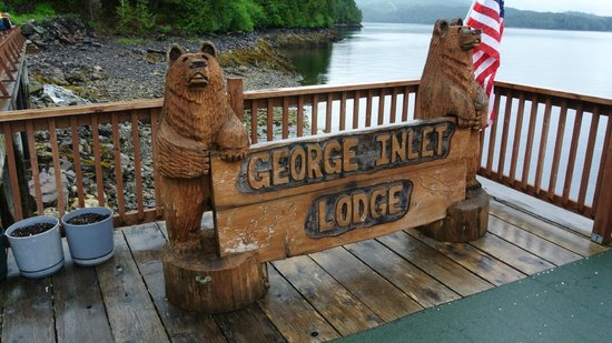 George Inlet Crab Feast: Outside the lodge