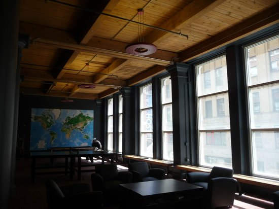 Hostelling International Chicago: area del desayuno