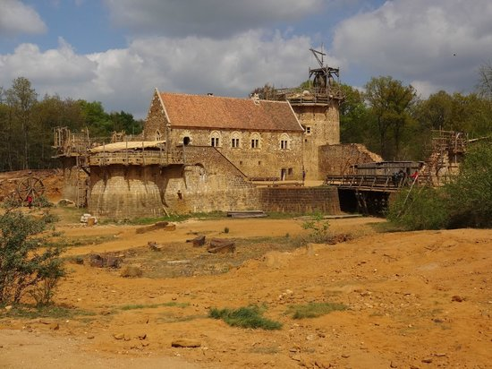 Chantier Médiéval de Guédelon: the castle