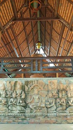 Ruean Thai Hotel: Stair