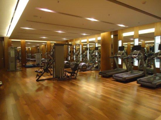 Courtyard Seoul Times Square: Hotel Gym.