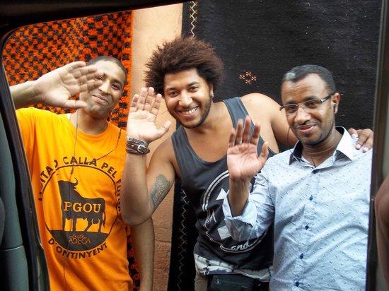Hostel Riad Marrakech Rouge : Salut les amis