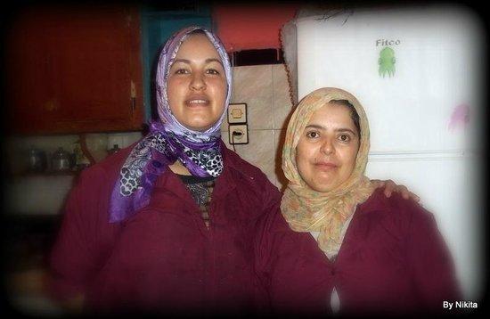 Hostel Riad Marrakech Rouge : ƈɧσųҡŗąŋ ɓẕą∱ pour ce délicieux couscous et pour tout votre travail.