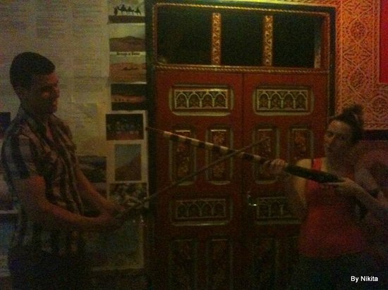 Hostel Riad Marrakech Rouge : Pièce à vivre du Riad