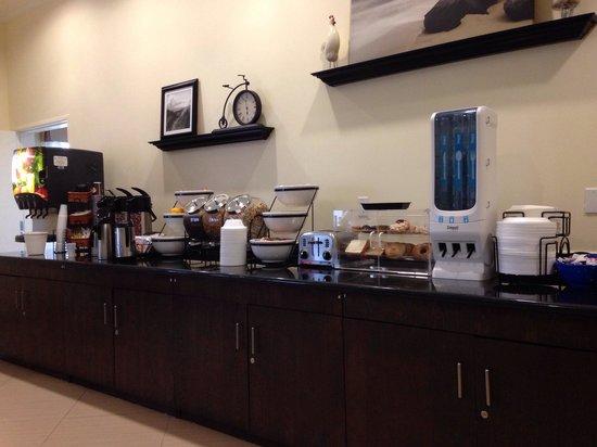 La Quinta Inn & Suites Inglewood: Breakfast