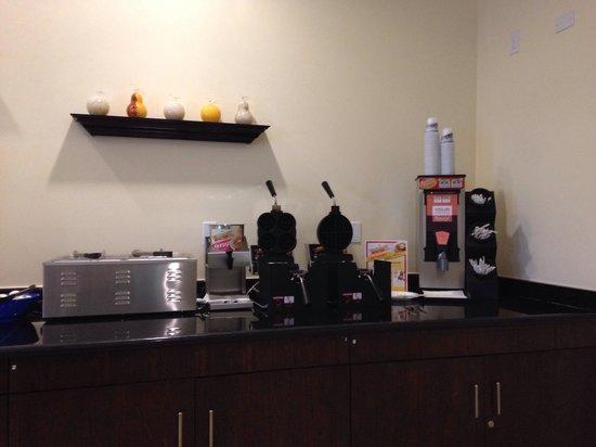 La Quinta Inn & Suites Inglewood: Waffle